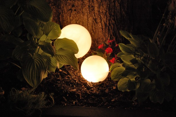 Create Glowing Orbs for Your Yard