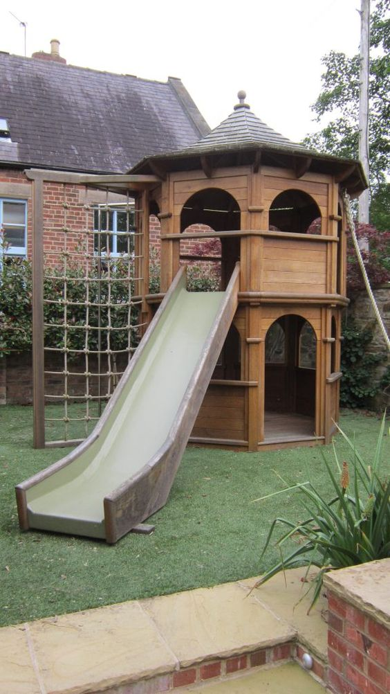 19 creative and cute garden playgrounds for kids this is a nice playground where your kids can spend their free time solutioingenieria Choice Image