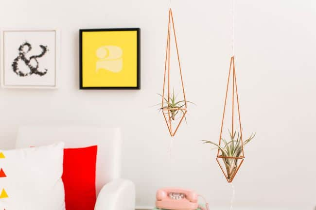 Cute-DIY-Copper-Hangers-With-Air-Plants
