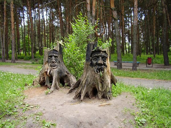 Tree Stump Decorations 18