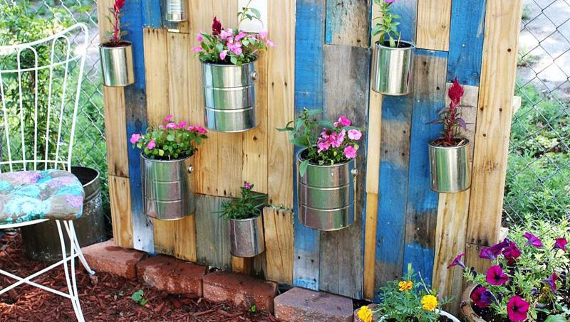 space-saving decorative garden ideas 14